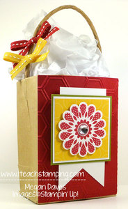 How to Decorate a Gift Bag using Polka Dot Pieces