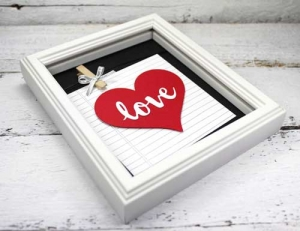 DIY Wall Art Ideas for Valentine's Day