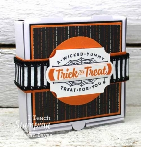 Stinkin' cute mini pizza boxes all dressed up for trick or treating