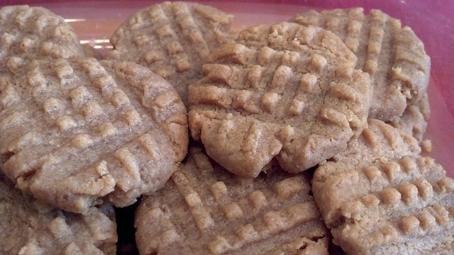 Four Ingredient Peanut Butter Cookies