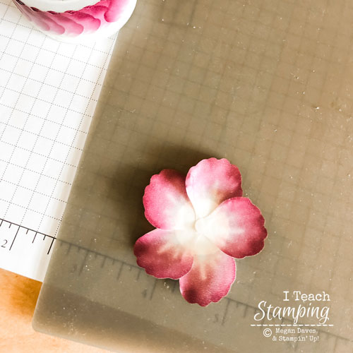 Click through to learn how to make washi flowers in seconds!